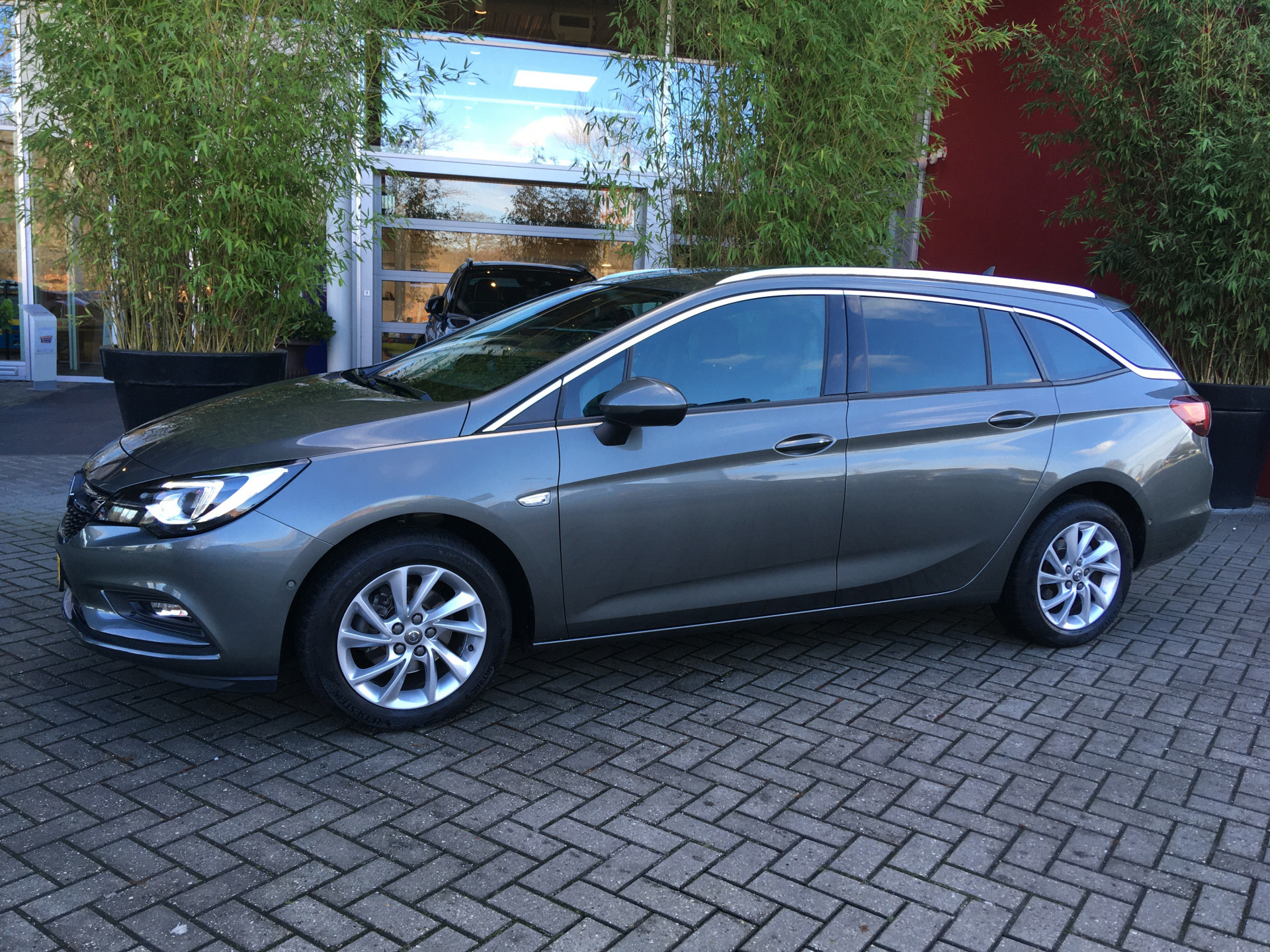 Opel Astra Sports Tourer 1.4 Innovation Occasion Lease Actie